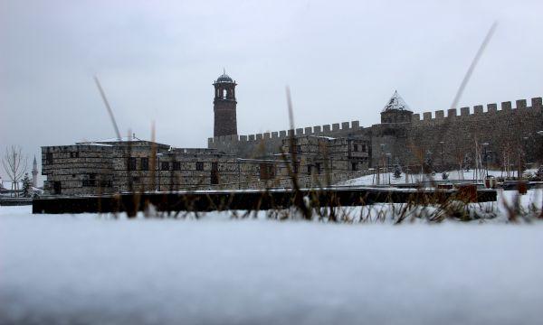 Erzurum'da Tarih ve Kar Buluşması İHA Çağrı Korkmaz