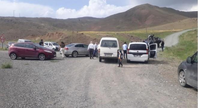 Askeri araç devrildi: 1 asker şehit oldu