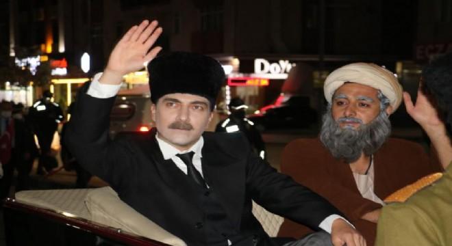 Atatürk'ün Erzurum'dan Sivas'a gelişi canlandırıldı
