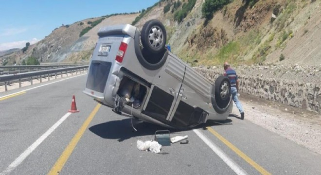 Erzincan yolunda kaza: 1 yaralı