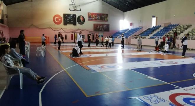 Erzurum'da Curling müsabakaları başladı