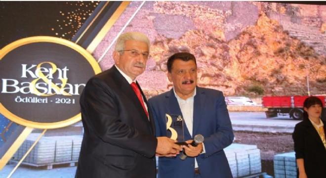 Oltu Belediye Başkanı Taşçı'ya proje ödülü