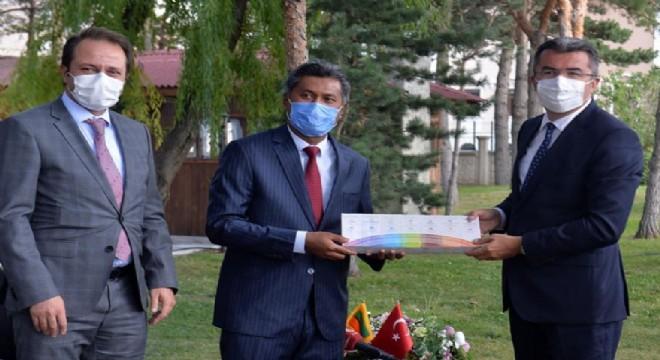 Vali Memiş, Sri Lanka Büyükelçisini ağırladı